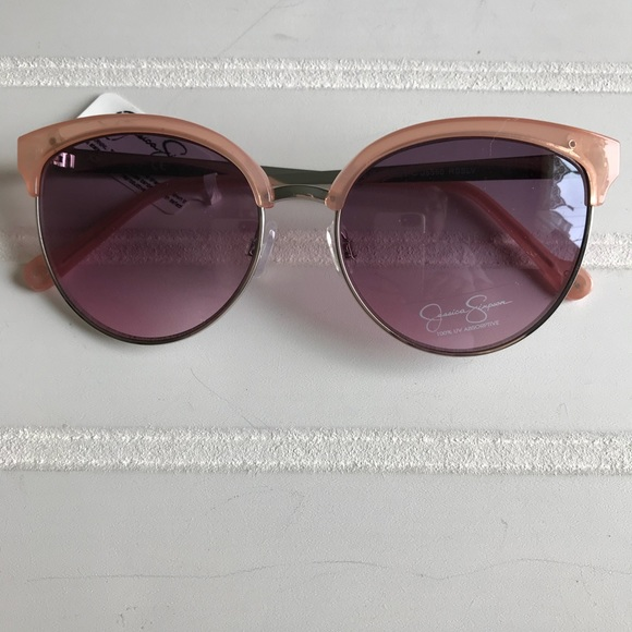 97750f6d111ee NWT Jessica Simpson Rose Colored Sunglasses.